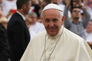 Pope_Francis_4_at_the_Wednesday_General_Audience_in_St_Peters_Square_on_June_24_2015_Credit_Daniel_Iba_n_ez_CNA_6_24_15