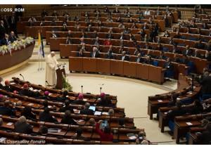 Papa v parlamente