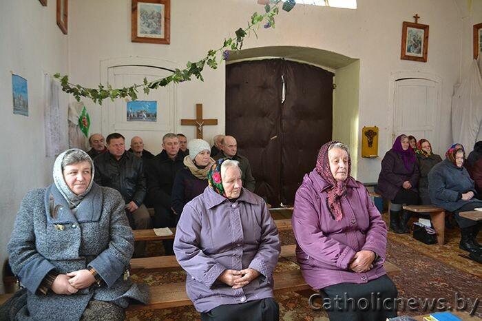kiakova_vizitacyja-biskupa-alega08